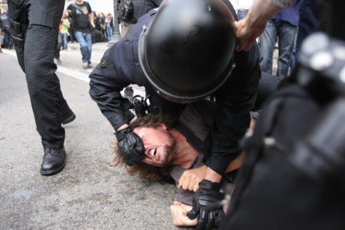 Post image for Spanish police fire at peaceful protesters in Barcelona