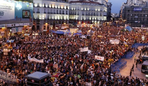 Post image for Indignados re-occupy Puerta del Sol