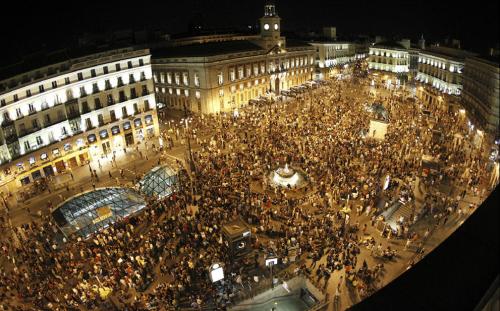 Desrealitat the sun rises indignados take back puerta for Puerta del sol ahora