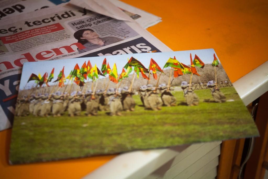 Op het verspreiden of bezitten van PKK propaganda staan zware straffen, desondanks zijn ze populair in Yüksekova. Een centrum van PKK aanhangers.